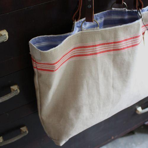 Red stripe utility bag - 1