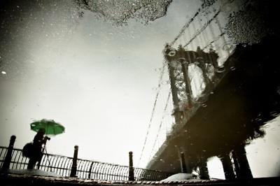 The_photographer_and_the_bridge_400